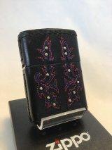 No.200 レザーシリーズZIPPO ブラック 刺繍(レッド・ブルー)&ビーズ z-2700